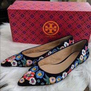 NWT and dustbag!! Tory Burch Flats